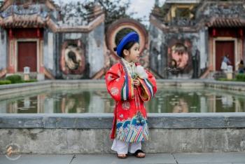'Sốt rần rần' với bộ ảnh em bé mặc Việt phục cổ check-in Hội An