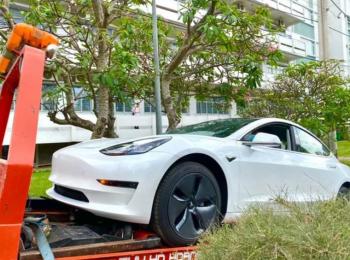 Trường ĐH Sài Gòn chơi lớn, mua ô tô điện Tesla của Elon Musk về cho sinh viên thực hành