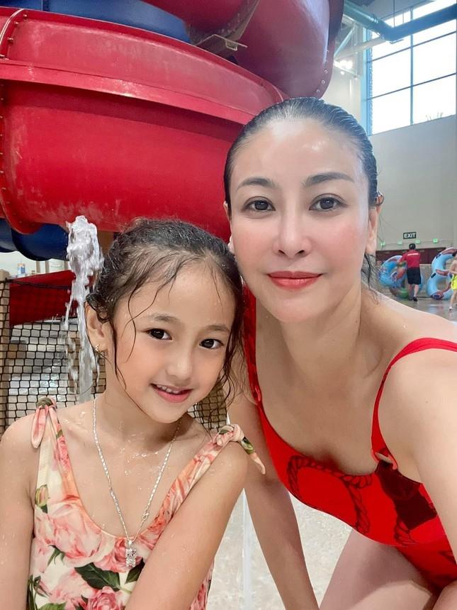 Dàn hoa hậu, á hậu mừng sinh nhật Tiểu Vy - Báo Gia Đình