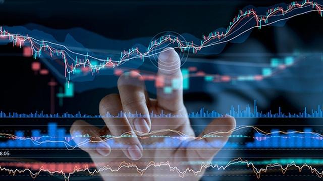 Tin nhanh chứng khoán ngày 12/7: VN Index giảm hơn 50 điểm; Thanh khoản thị trường tăng vọt