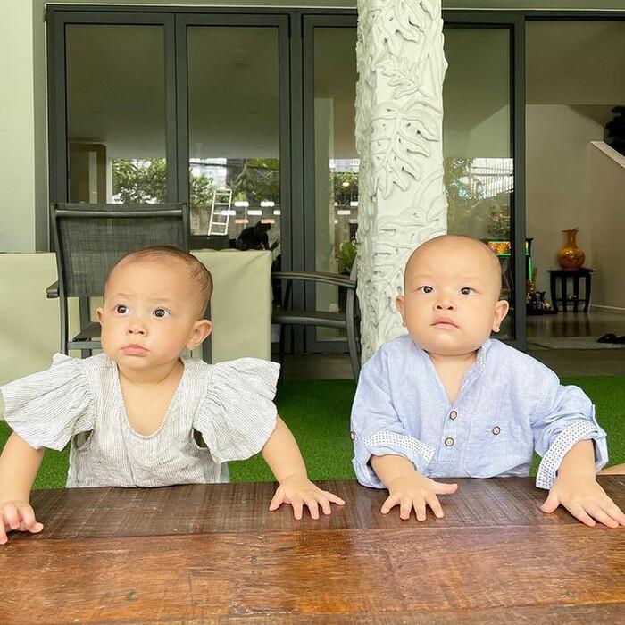 'Thầy giáo' Kim Lý bị mẹ Hà Hồ 'phê bình' vì dạy con học buổi sáng: Dạy hơi to tiếng?