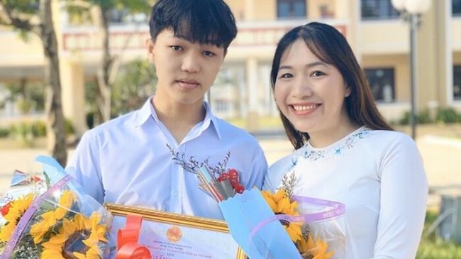 Nam sinh Quảng Nam đạt điểm 10 môn Văn tốt nghiệp THPT 2021