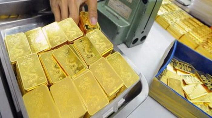 Giá vàng hôm nay 27/7 tiếp tục gặp khó dù đồng USD suy yếu