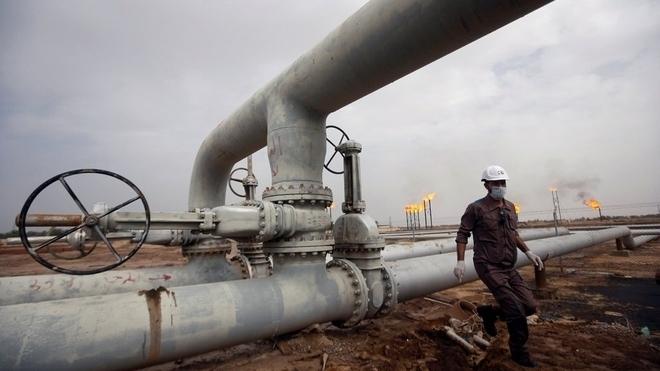 Giá xăng dầu hôm nay 27/7 tăng nhẹ, dầu Brent hướng mốc 75 USD