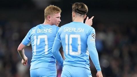Fan Man City phấn khích với song tấu Grealish - De Bruyne