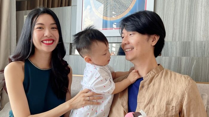 Mùa dịch, Á hậu Thúy Vân tổ chức sinh nhật cho ông xã, đơn giản nhưng đầm ấm