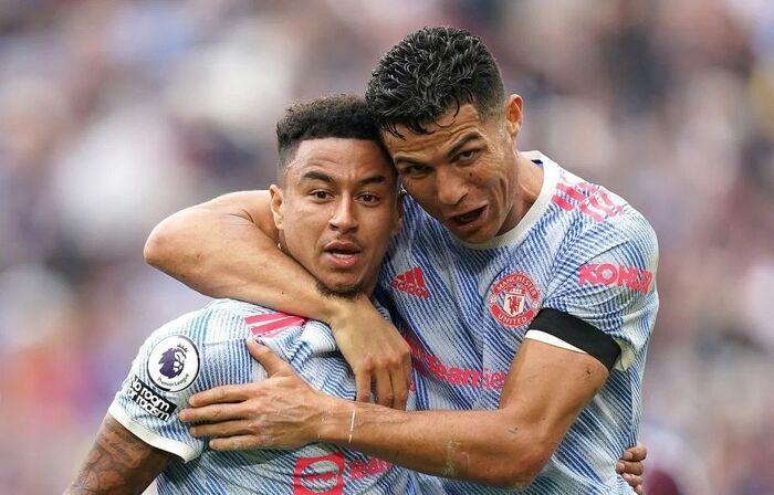 Ronaldo lại ghi bàn, Lingard chuộc lỗi và chiến thắng 'khó tin' của MU