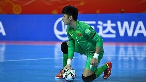 Thủ môn Hồ Văn Ý được khuyên sang Nhật Bản thi đấu
