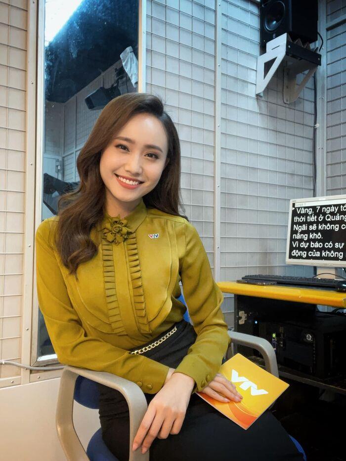 MC thời tiết xinh đẹp của VTV làm lễ ăn hỏi ngay sau khi Hà Nội nới lỏng giãn cách