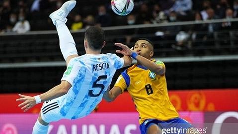 Quật ngã Brazil, Argentina tiến vào chung kết FIFA Futsal World Cup