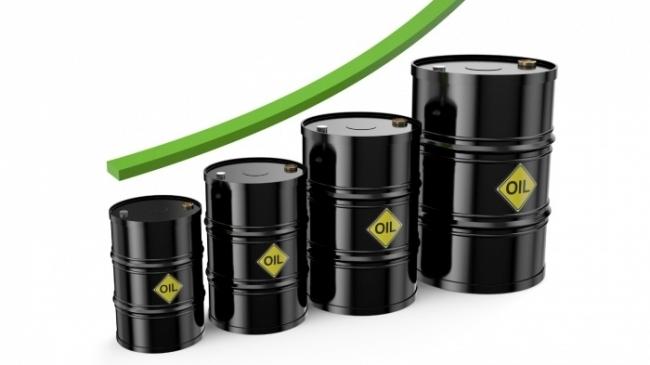 Giá xăng dầu hôm nay 6/10 tiếp đà leo đỉnh, dầu Brent vượt mức 82,6 USD