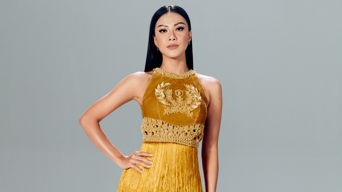 Kim Duyên thần thái đỉnh cao với sắc vàng phong thủy tại Miss Universe