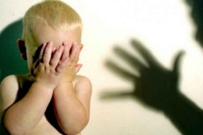 Khởi tố vụ án hành hạ bé trai ở lớp mầm non