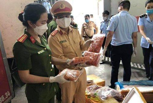 Ngăn chặn hơn 10 tấn thực phẩm không rõ nguồn gốc chuẩn bị vào tiêu thụ tại Hà Nội