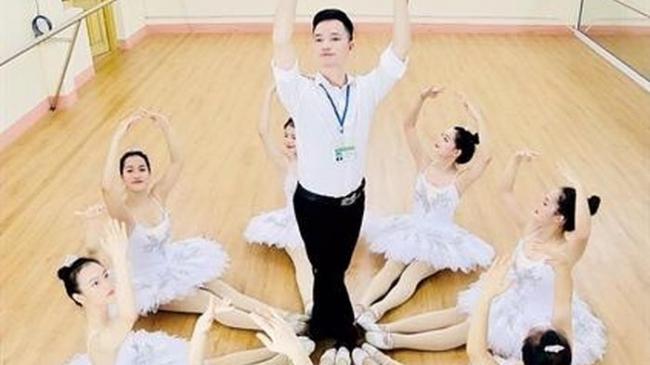 Niềm đam mê yêu múa của thầy giáo dân tộc Thái