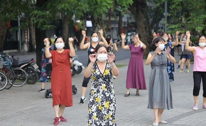 Hà Nội cho phép tập thể dục ngoài trời, mở cửa trung tâm thương mại từ 28/9