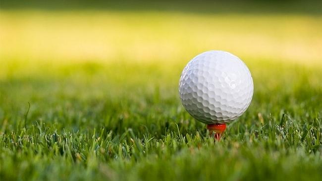 Tại sao quả bóng golf lại có những vết lõm hình tổ ong?