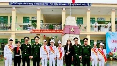 Hình ảnh Trường Sa đến với trẻ em vùng cao Nà Hẩu