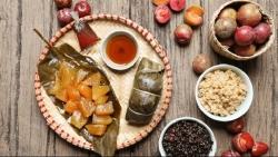 Tết Đoan Ngọ: Cơm rượu nếp, hoa quả đắt hàng