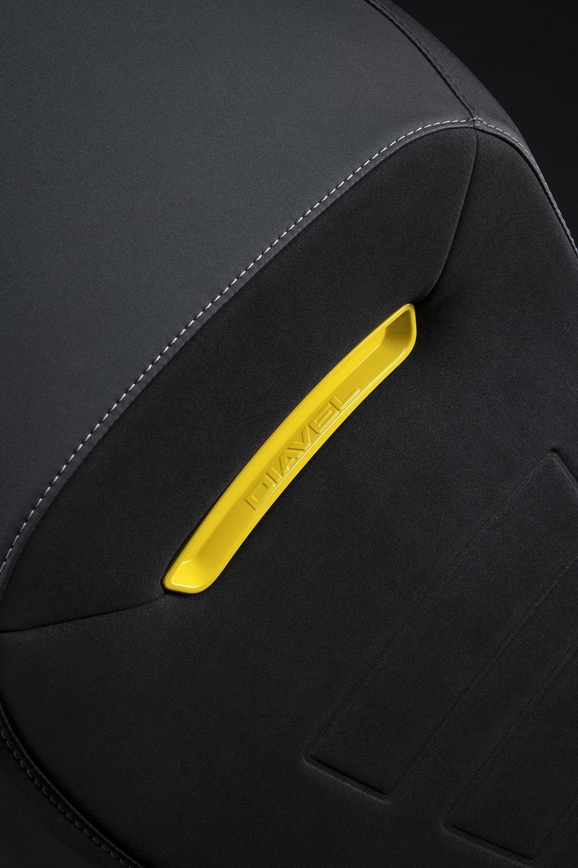 Ducati Diavel 1260 S 2022: Màu đẹp, nhiều trang bị hấp dẫn
