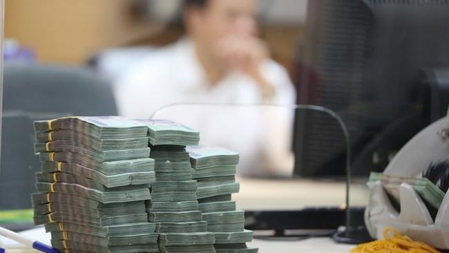 Nếu lãi suất tiền gửi 0%, ngân hàng huy động vốn ở đâu?