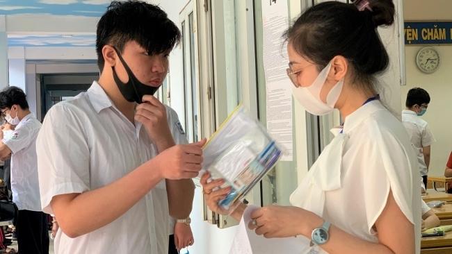 Hà Nội: Gần 4.500 học sinh thấp thỏm chờ kết quả phúc khảo bài thi vào 10