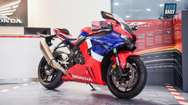 Honda triệu hồi CBR1000RR-R để thay thế tấm nối giảm xóc