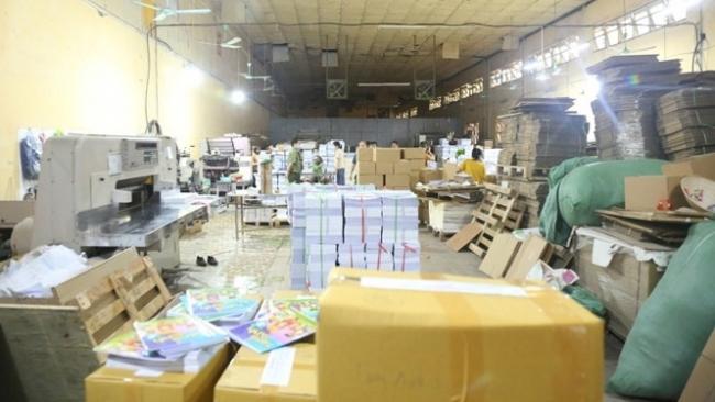 Hà Nội: Phát hiện 2 cơ sở nghi in lậu hơn 50.000 cuốn sách giáo khoa