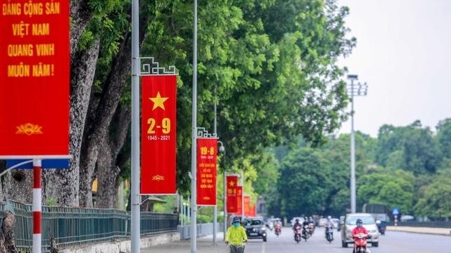 Hình ảnh đường phố Thủ đô trước ngày Quốc khánh 2/9