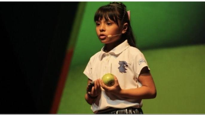 Kinh ngạc bé gái 10 tuổi có chỉ số IQ cao hơn Albert Einstein