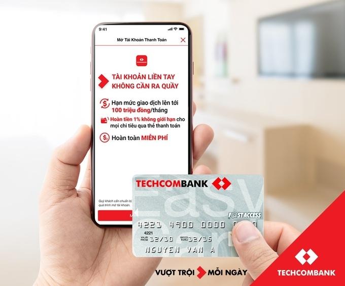 Tin nhanh ngân hàng ngày 12/9: Techcombank triển khai chương trình ưu đãi cho khách mở tài khoản trực tuyến