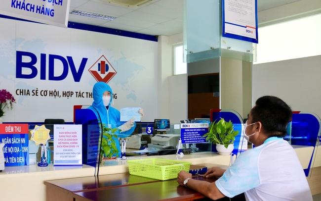 Tin nhanh ngân hàng ngày 21/9: Các ngân hàng đã miễn, giảm hơn 26.000 tỉ đồng tiền lãi cho khách hàng