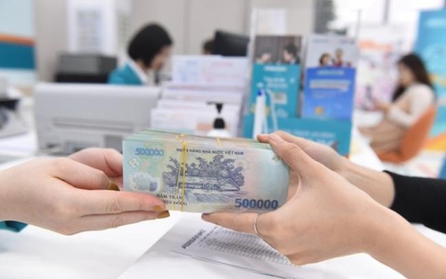 """Tin nhanh ngân hàng ngày 13/10: Doanh nghiệp """"dính"""" nợ xấu có thể được vay 0% trả lương nhân viên"""