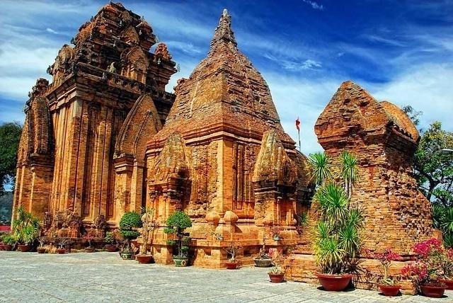 Khám phá quần thể tháp Chàm Việt Nam