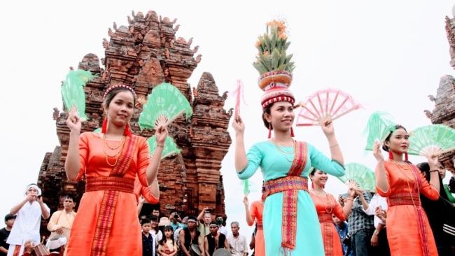 Đồng bào dân tộc Chăm Ninh Thuận - rộn ràng lễ hội Ka Tê 2020