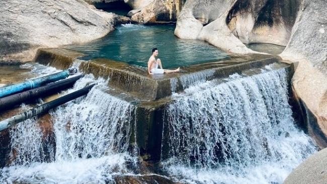 Con suối có ba hồ nước ở Ninh Thuận