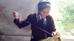 Lào Cai: Độc đáo hoa văn trên bạc của người Dao đỏ