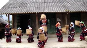 """Yên Bái: Lễ lên nhà mới"""" phong tục không thể thiếu trong đời sống của dân tộc Phù Lá"""