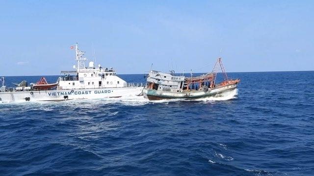 Sơ kết phòng, chống khai thác thủy sản bất hợp pháp, không báo cáo và không theo quy định.